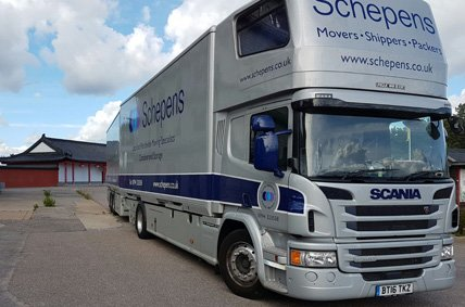 removal lorry to Karlstad