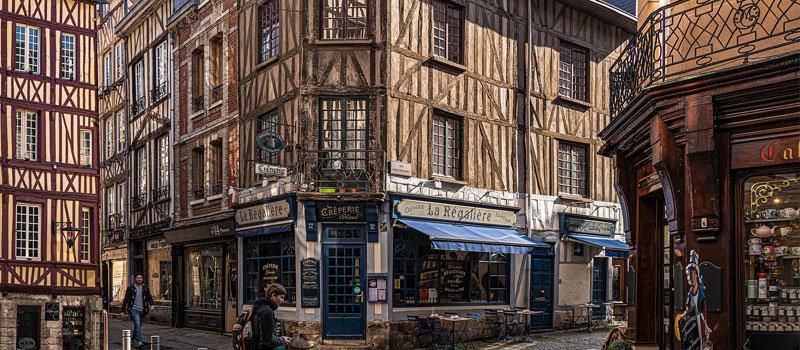 Living in Rouen